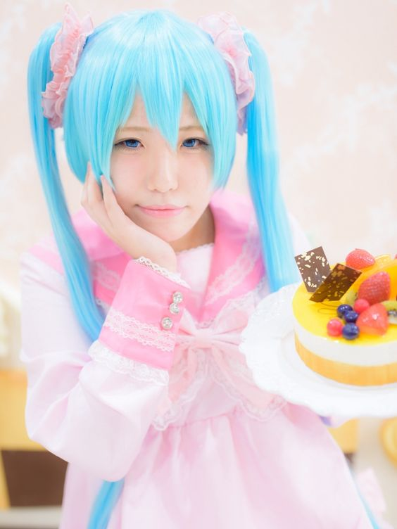 [usamin] VOCALOID: Hatsune Miku (LOL-lots of laugh-) - Cosplayers' Cure