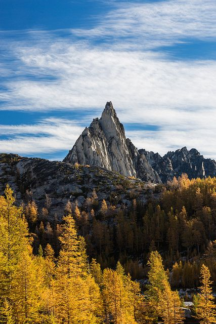 Prusik Peak and Autumn Alpine Larches