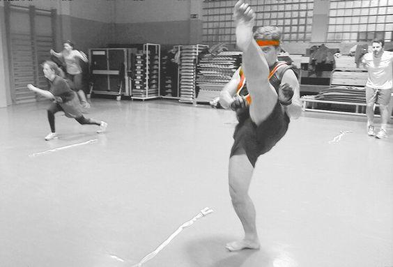 Box Training - Lunge + patada frontal y salto al otro lado de la cuerda.