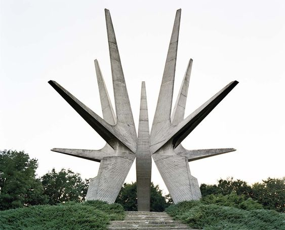 The Kosmaj monument in Serbia is dedicated to soldiers of the Kosmaj Partisan detachment from World War II. © Jan Kempenaers