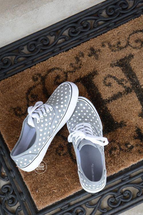 Platform Footwear Are Sneakers Boots Or Sandals With An Visible Huge Sole Blackheelsplatform Polka Dot Shoes Diy Shoes Me Too Shoes