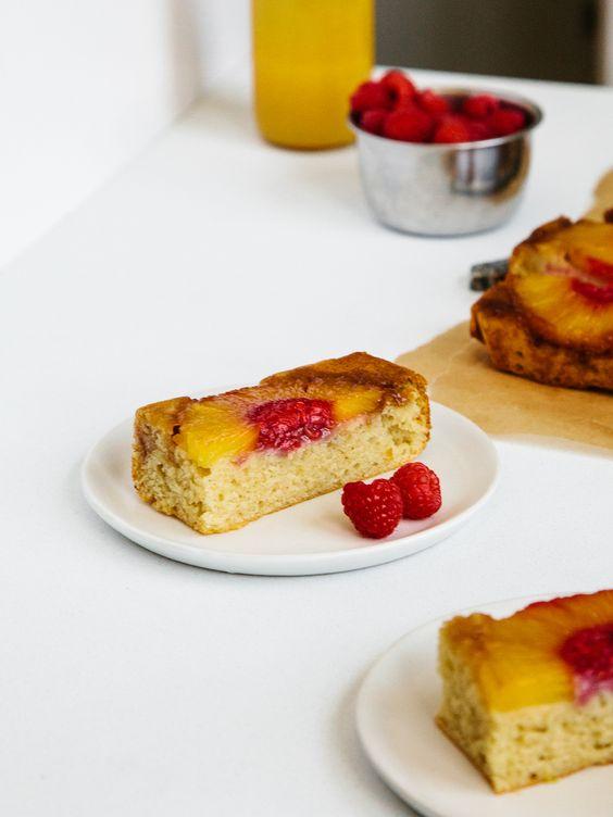Ananas auf den Kopf Kuchen + boozy Himbeere mash