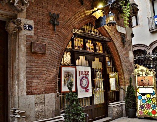 bares mas antiguos barcelona