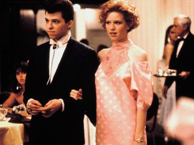 """Molly Ringwald as Andie Walsh, and   Jon Cryer as Philip F. """"Duckie"""" Dale in Pretty In Pink 1986"""