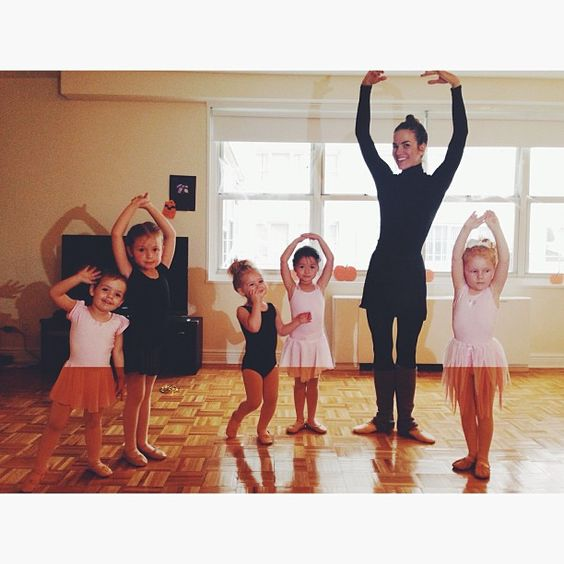 Couldn't find a reasonably priced ballet class for E here in the city so decided to teach her & her little friends myself this semester. Putting that old BFA to good use and also, so.much.fun.
