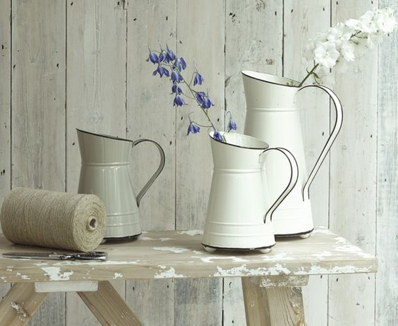 Our gorgeous Girasol enamel jugs come as a set of three and easily double up as a vase or serving jug. We love the old school inspired design.