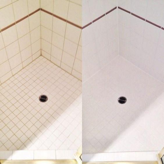 ducha 1 parte de vinagre y otra de jabón por cada dos partes de agua, dejar asentar en la zona que desea limpiar y listo, limpiaste mejor tu ducha y no hiciste casi nada.