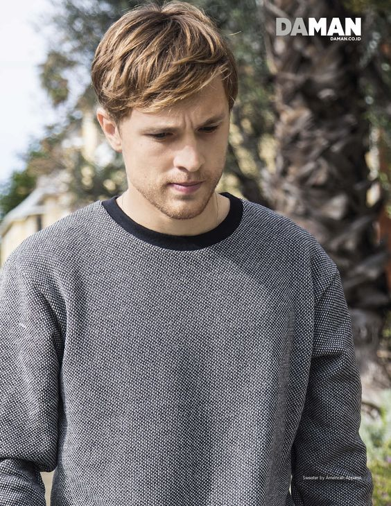 """Exclusive Feature: William Moseley Raps About """"The Veil,"""" """"The Royals"""" and Helping Others 