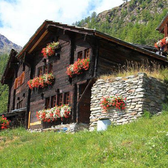Swiss Valley Apartments: Log Homes And Cabins