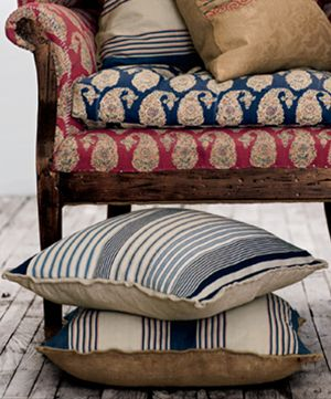 .Love the mix of fabrics and linens and flax