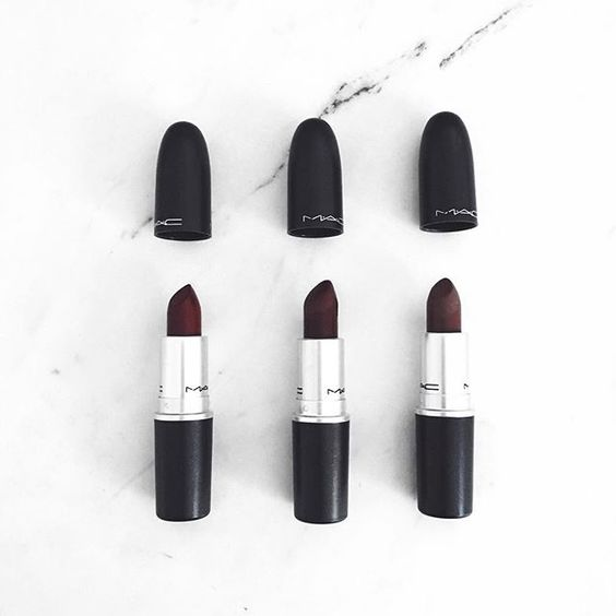 lipstick, mac, batom , black and white, dark brown, red ...