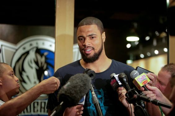 Tyson Chandler!!   Welcome back to The   Mavs.