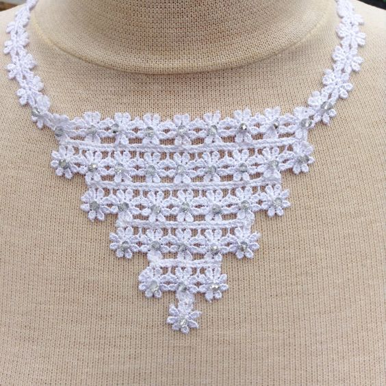 White lace necklace  bridal jewelry  wedding jewelry  by leonorafi