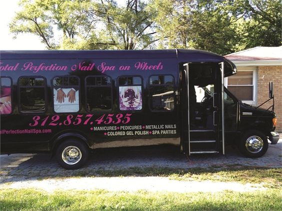 mobile business From dog grooming to vintage accessories, many entrepreneurs are taking their businesses on the road.