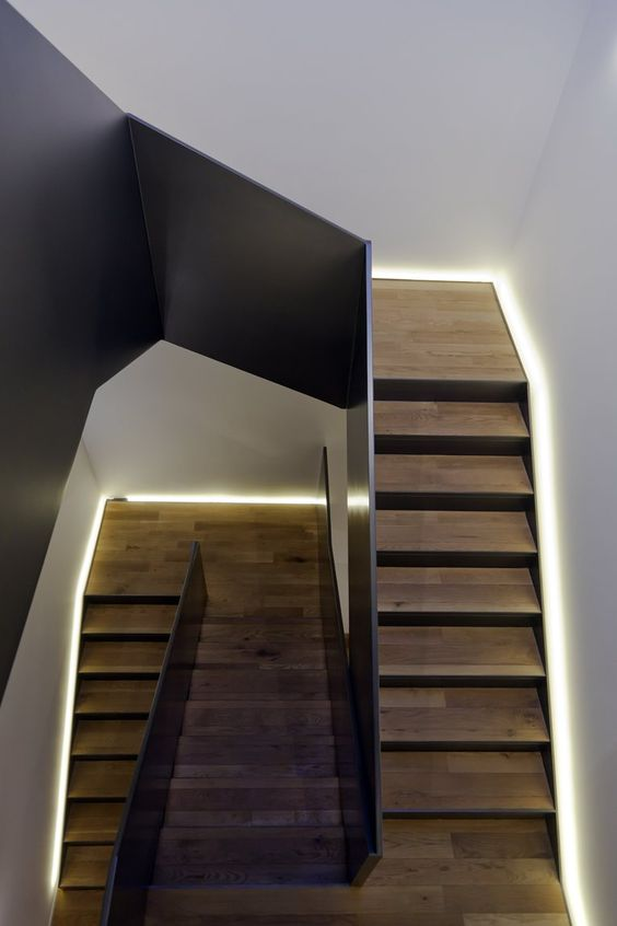 17 Best Images About Staircase Lighting Ideas On: Casa-camelia #staircase