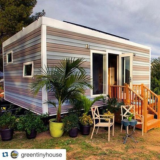 #Repost @greentinyhouse with @repostapp.  Solar Powered Tiny Studio with three solar panels #tinyhouse#architecture#home#micro#nature#tinyhomes#architect#house#modern#green#tinyhousemovement#cool#future#design#tiny#minimalist#greentinyhouse by traciecannoy
