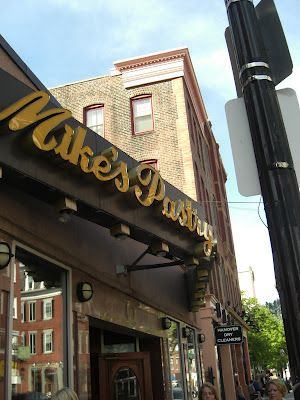 The Boston Bakery Babe: Mike's Pastry: the Mothership of Bakeries