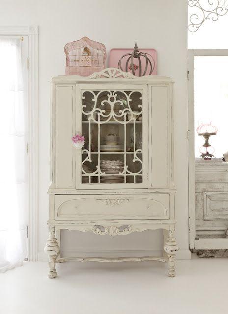 sweet china cabinet!! via Cute Pink Stuff