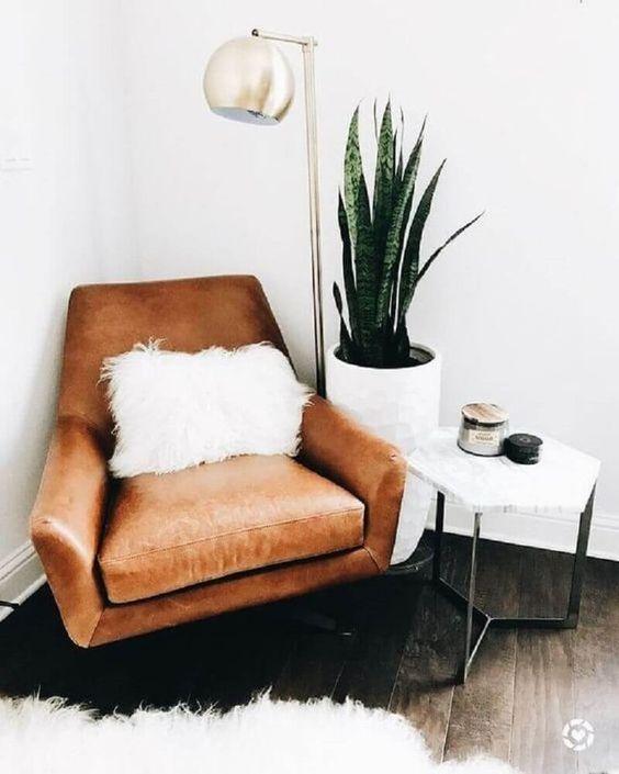 decoração hygge com planta e poltrona de couro #hygge #hyggedecor #decor