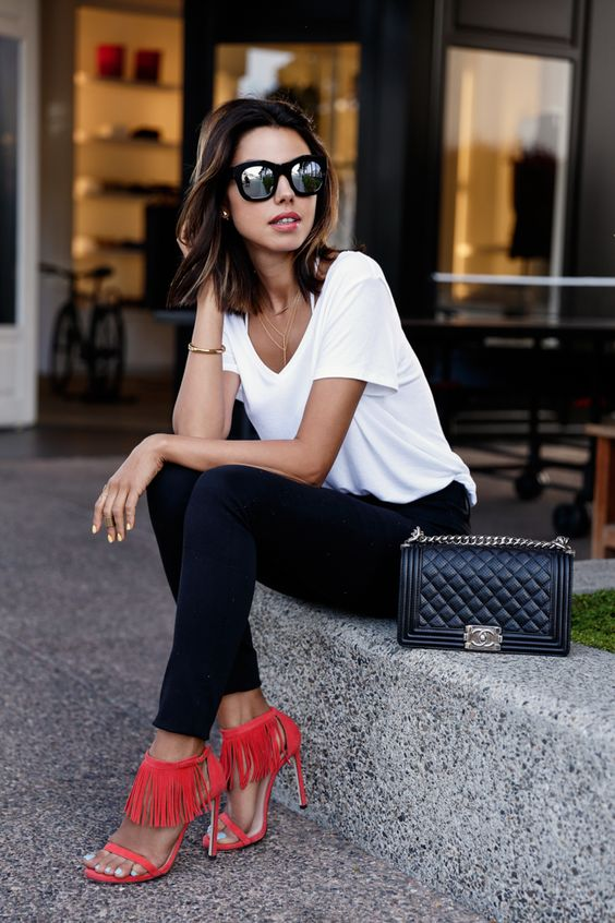 spring / summer - street style - street chic style - summer outfits - easy outfits - white tee + black skinnies + red suede fringe heeled sandals + black mirror sunglasses + black shoulder bag: