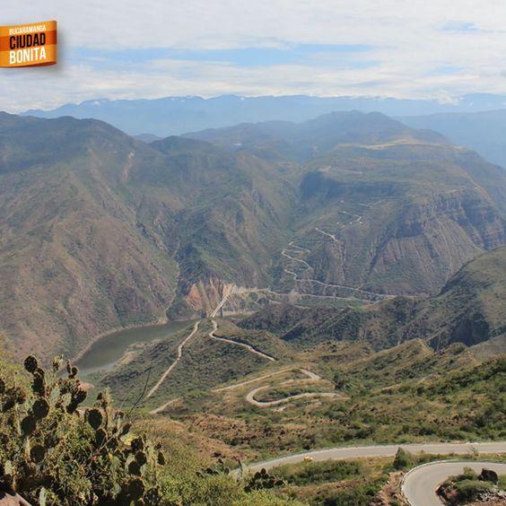 Carreteras increíbles en la vía a Zapatoca. Gracias @armabuho por la foto #somosSantandereanos