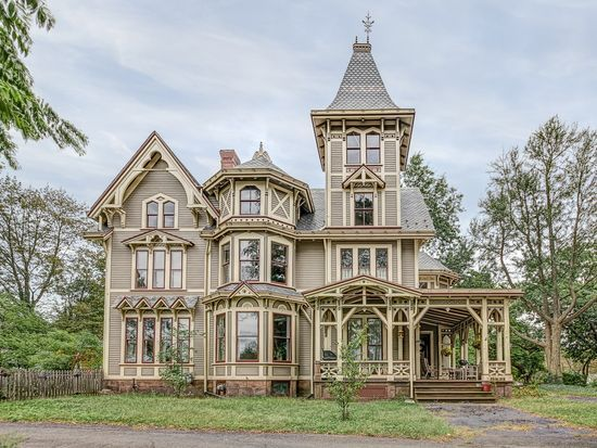 154 E Grand Ave New Haven Ct 06513 Zillow Gothic House
