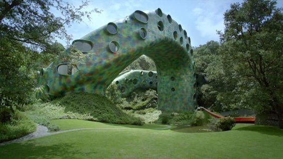 El Nido de Quetzalcoatl por arquitecto Javier Senosiain (México).