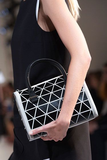 Accessory Look of the Day: Spring 2014 - Victoria Beckham: Spring2014 Victoria, Handbags Spring, Bags Spring 2014, Fashion Bags, Fashion Week, Beckham Handbags, Beckham 2014, Fashionable Handbags, Handbags Accessories