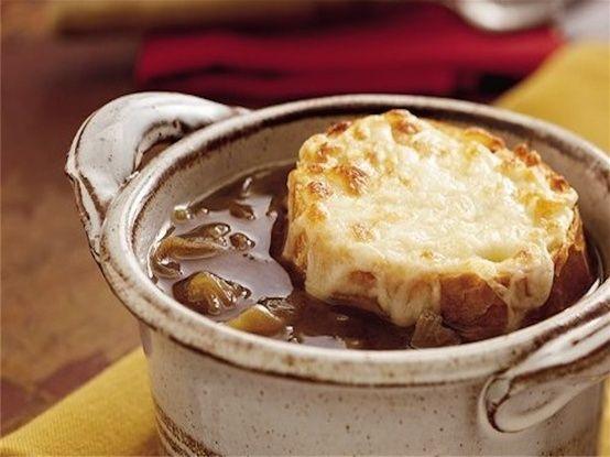 Crockpot French Onion Soup - Weight Watchers | The Slender Kitchen
