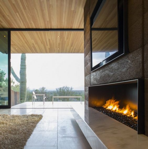 Modern Glass Fireplace And White Marble Bench Under Wall Mounted - küchen smidt köln