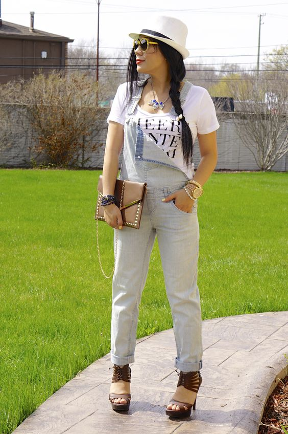 How to style blue jean overalls