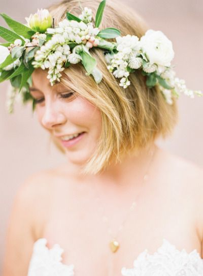 Short hair and a pretty flower crown | Rustic Romance wedding in Texas