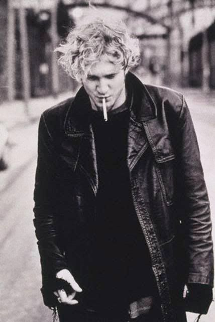 Layne Staley ~ August 22, 1967 - April 5, 2002 .....................no matter what I want this as a poster love him and Alice in Chains when it is him singing sorry but not sorry at all