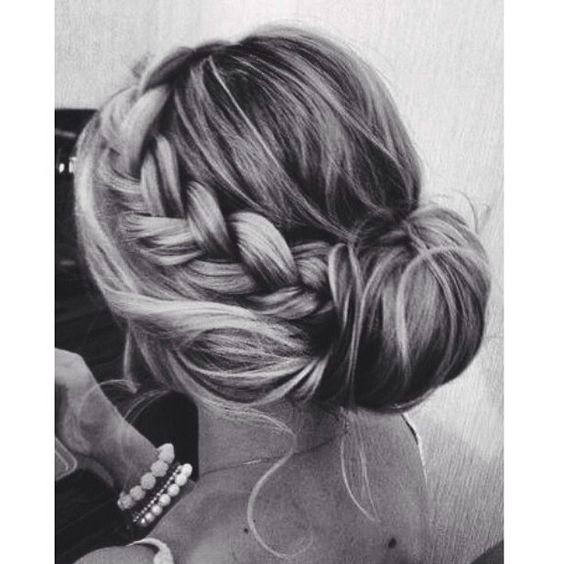 Loving this messy pinned up style with a side braid!-Jen