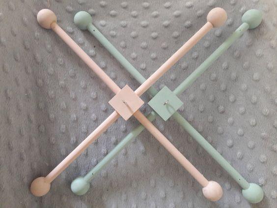 Wooden Baby Crib Mobile Hanger-mobile frame von LoveThatShines