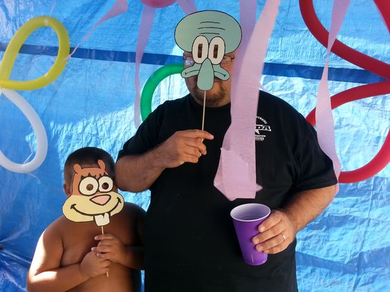Spongebob birthday party - photo booth fun! This is so funny, I think the kids will love doing this.