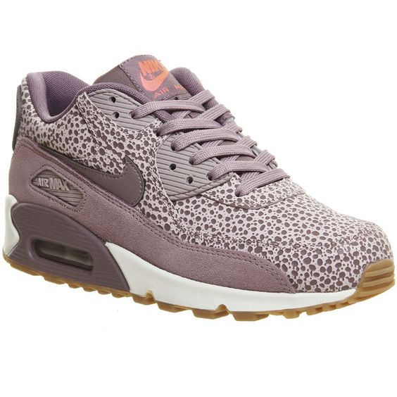 Nike Air Max 90 (w) (€130) ❤ liked on Polyvore featuring shoes, hers trainers, trainers, nike footwear, bleach shoes, nike, nike shoes and suede shoes