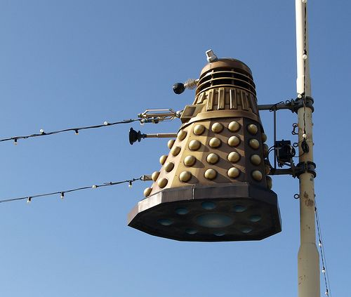swimmingpoolinthelibrary:  gerilee:  fyeahdaleks:  daleks:  Dalek hung in Blackpool (by Tony Worrall Foto)   that is terrifying.   This will make me shit bricks.