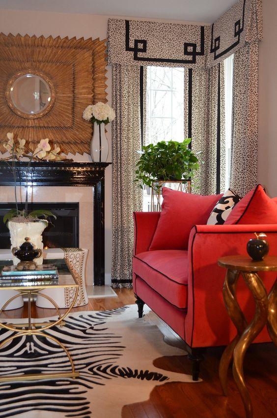 Zebra Decor Living Room: Raspberry/Black... I Love The Zebra Rug