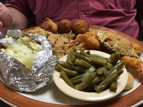 https://flic.kr/p/D4iqfX | Seafood Plater at Paw Moore's Restaurant | Seafood Plater at Paw Moore's Restaurant