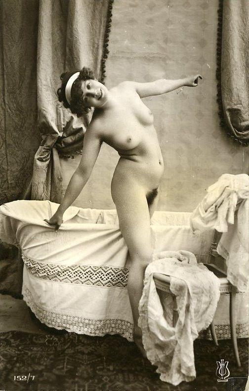 Home wife nude