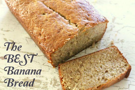 The Best Banana Bread - so yummy and moist!! #bananabread @Kristyn {lilluna.com}