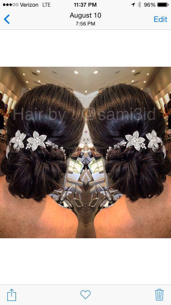 #bridalhair#lowbun #sophistication #weddings#tiaras #hairbysami3id#cristophesalons #bridesbysami#esteticausa #renefurtererusa