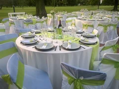 verde manzana y blanco para una boda al aire libre