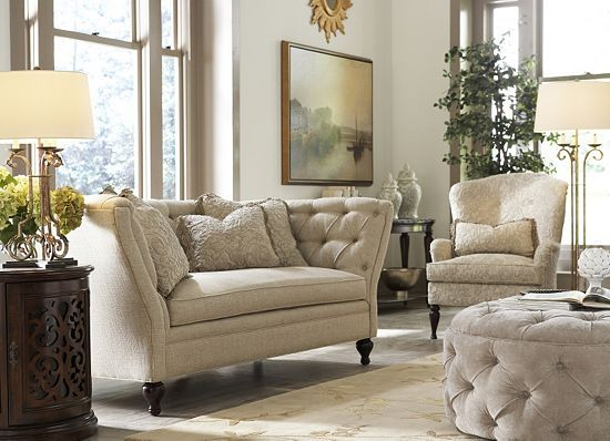 The tufting on this #havertys Sophia Sofa makes it the perfect ...
