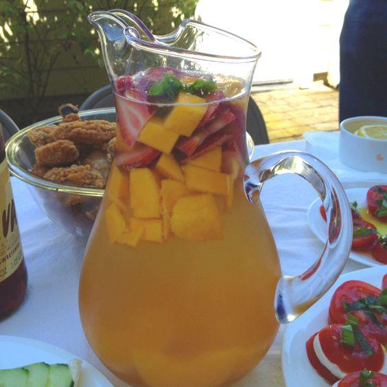 white wine sangria picnic