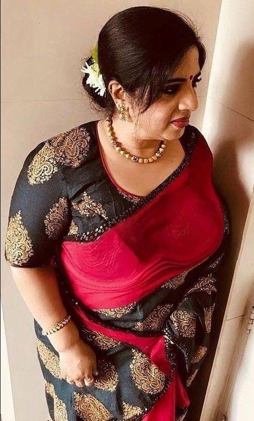 Beautiful aunty indian ItsWorldBook: Beautiful
