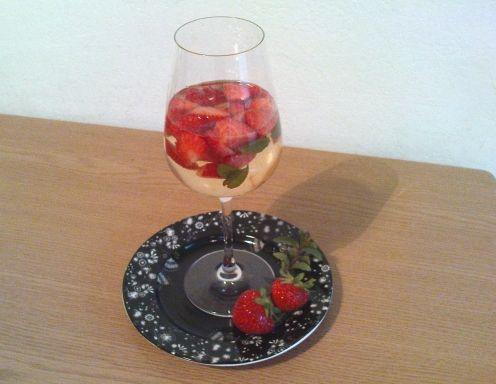 Erdbeerbowle - Rezept - ichkoche.at
