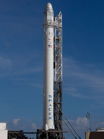 SpaceX replaces engine valve, clears rocket for Tuesday launch