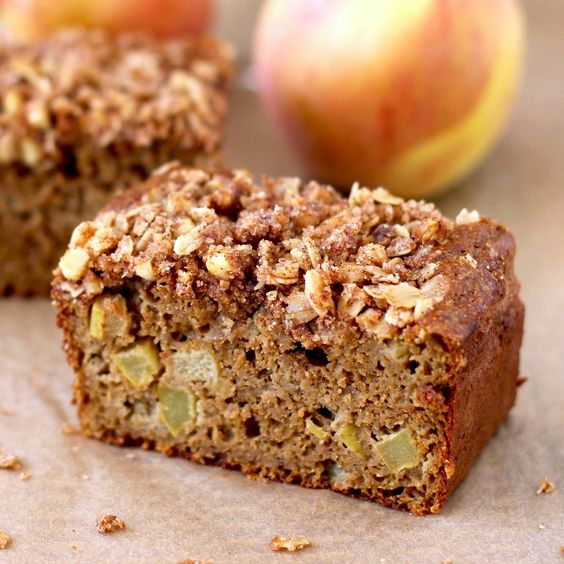 Guilt-free Apple Pie Bread with Buttery Oatmeal Streusel!